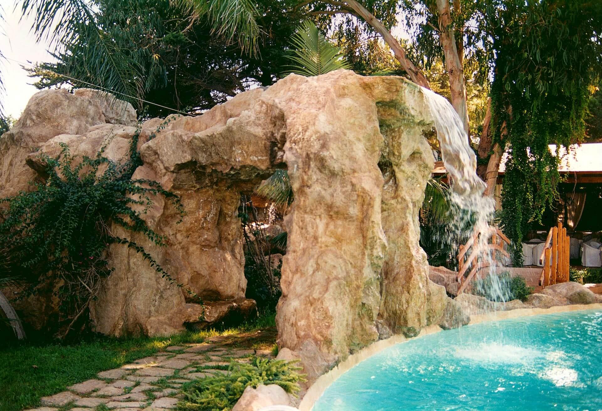 Cascate fatte di rocce